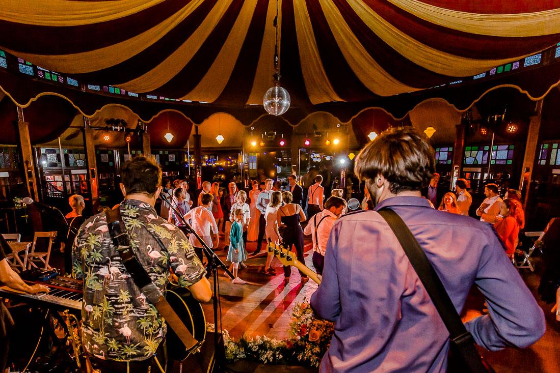 festival_bruiloft_bruidsfotografie-42